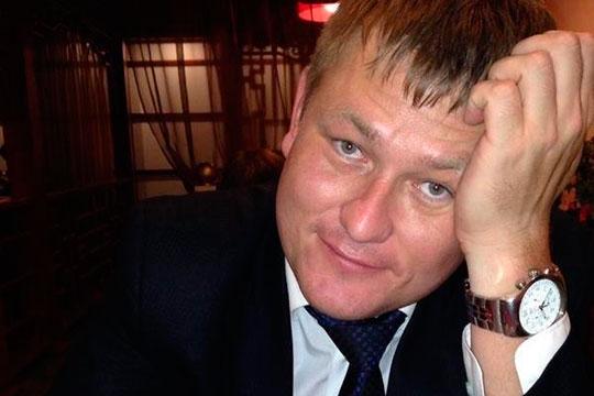 По версии силовиков, за помощь Хамитов (на фото) вымогал 35 тыс. рублей. При этом, как считает следствие, никакой помощи не оказывал, а просто уверял, что теперь отдел строительства не будет воспрепятствовать в переводе земли