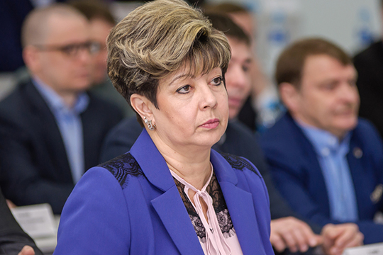 Замруководителя исполкомаНаталия Кропотовасообщила, что вЧелнах проверено 2133 объекта потребительского рынка— проверяющие смотрели, естьли макси, перчатки, соблюдаетсяли дистанция ипрочее