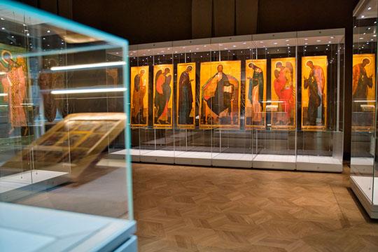 «Практически все иконы, которые сейчас выставлены в обновленном главном здании ГМИИ восстановлены ее рукой [Натальей Михайлиной - дочерью Евгения Голубцова]»