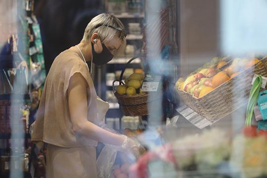 «Более 40% продовольствия закупается за рубежом напрямую, и достаточно большая часть производится либо по лицензионным технологиям зарубежных государств»