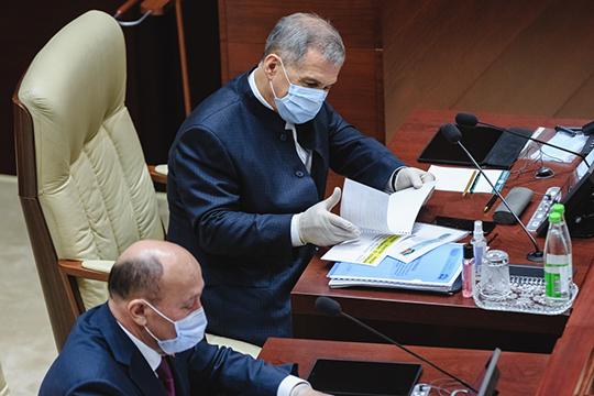 Рустам Минниханов подписал указ о создании комиссии при президенте РТ по вопросам сохранения и развития татарского языка. Ее возглавил вице-спикер Госсовета РТ Марат Ахметов