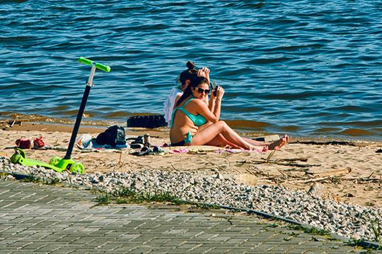 Непривычная жара, когда столбики термометров зашкаливают за 40 градусов, которая накрыла пару дней назад ряд регионов России, добралась и до Татарстана