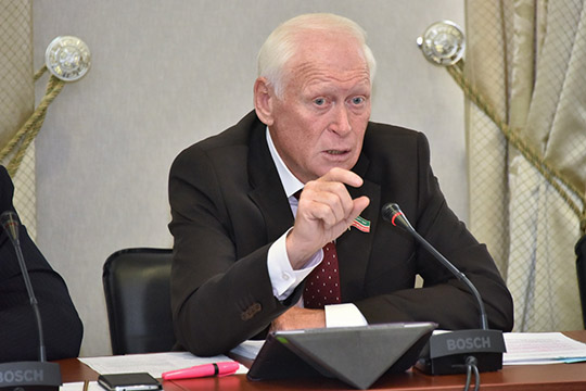 Леонид Якунин презентовал законопроект, вносящий изменение в закон «О бюджете Республики Татарстан на 2020 год и на плановый период 2021 и 2022 годов»