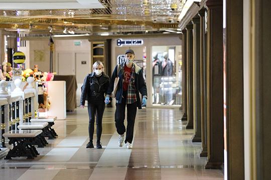 Ни Роспотребнадзор, ни кабмин не могут объяснить разницу между посещением магазинов с открытыми дверями на улицу и магазинами в торговых центрах. Где логика?