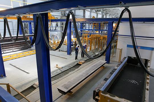 Новые собственники должны в скором времени реанимировать завод, который остановился после введения банкротства. Ранее там работало порядка 250 человек