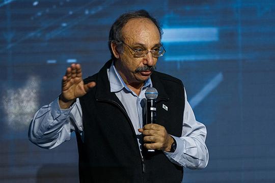 Борис Нуралиевсчитает, что контрольных цифр покадрам возвученном плане недостаточно:России нужно 220тыс. новых специалистов ежегодно. Для этого онпредлагает внести изменения всистему образования