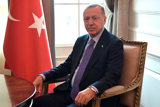Вполне закономерно, что религиозный Реджеп Тайип Эрдоган вознамерился положить конец возмутительному святотатству и вернуть святыню верующим, которым она принадлежала до прихода к власти кемалистов