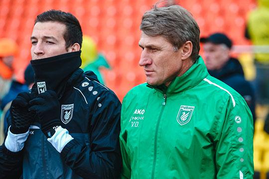 Олег Веретенников (справа) знает Макарова ещё со времён любительской лиги