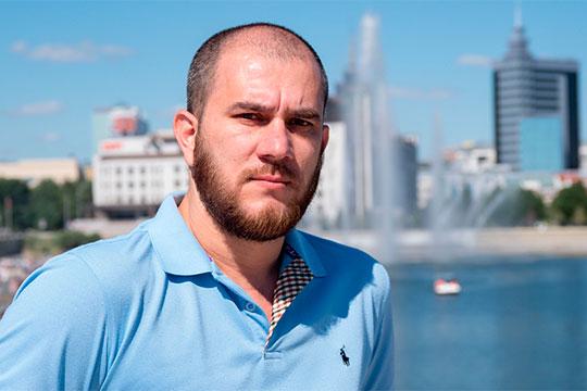 40-летний Энвер Арпатлы в украинскую эпоху возглавлял Алуштинский меджлис крымских татар, а в 2014 году он и его сторонники приняли осознанное решение созидать и развивать республику в составе России