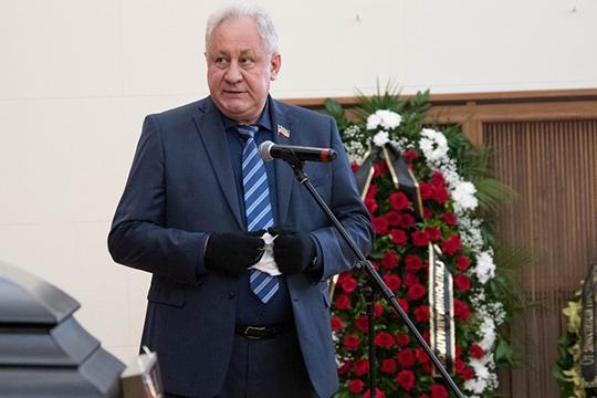 Свои соболезнования выразил и Николай Савицких, гендиректор КАПО