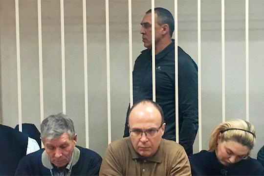 Совокупный «заработок» сообщества УБЭП оценивает в100млн рублей.Юхневич получил 5 лет лишения свободы— нопофакту сидеть ему осталось вхудшем случае полгода
