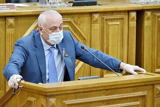 Камиль Нугаев:«Явиновен втом, что недоработал всвоей семье. Мои два сына знают татарский язык, нопять внуков… Некоторые уже непонимают. Поэтому, мыдолжны начинать ссебя»