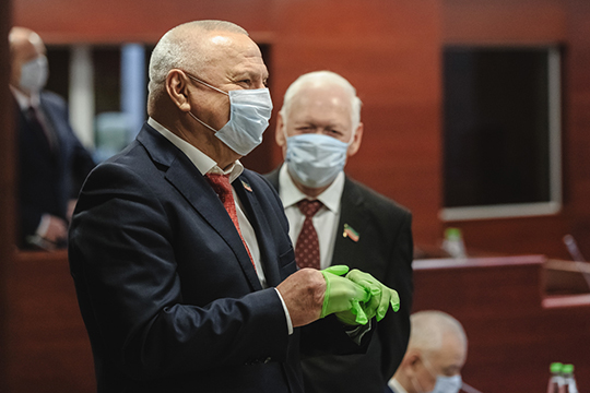Азат Хамаев напомнил, что закон, принятию которого так радовались зоозащитники и просто любители животных, ввел принцип гуманности. Отстрел бродячих животных теперь запрещен