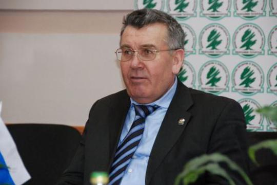 Летом 2012 года вотношении Садретдинова возбудили уголовное дело. Его обвиняли впревышении своих полномочий, когда онеще был министром