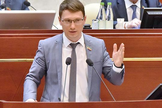 Выступление Гульнары Габдрахмановой, председателя комитета по архивному делу, вызвало бурную реакцию Артема Прокофьева