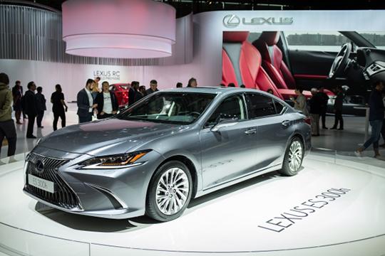 Нельзя неотметить отличную динамику Lexus: запрошлый год его «гараж» вырос на10%, азапять лет— на90%