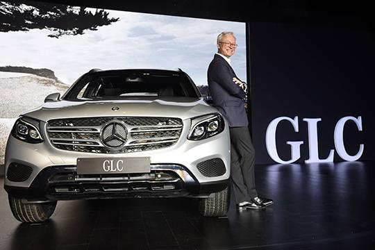 Начетвертой позиции вРТ, снебольшим отставанием оттретьей, внедорожники GLE-Class (ранее M-Class), которые собрали под своими знаменами 1432 автовладельцев— 12,8% отобщего числа Mercedes вреспублике