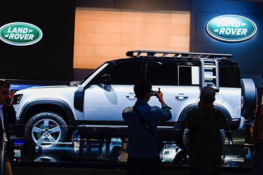 Пятое место даже невмодельной линейке бренда, авовсем люксовом сегменте Татарстана застолбил засобой основоположник моды напремиальные SUV, британский Land Rover