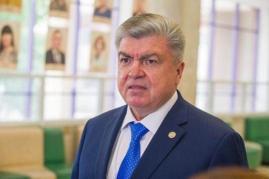 Мэр ЧелновНаиль Магдеев:«Нам недоверяют даже мусор собирать. Горько, смешно, ноэтотак»