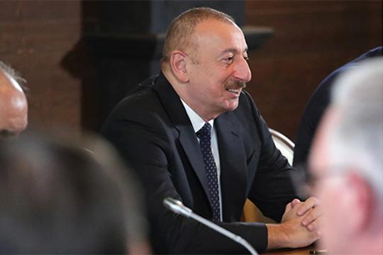 По мнениюИльхама Алиева, Армению сейчас охватил политический и экономический кризис, и правительство таким образом пытается отвлечь внимание населения с внутренних проблем