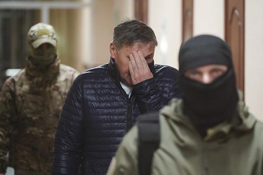 Незамеченным на этой неделе осталось освобождение из СИЗО замминистра МЧС РТ Ильхама Насибуллина, фигуранта одного из самых громких процессов года. Под арестом Насибуллин находился с марта