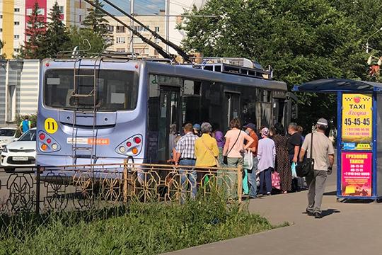 Из-за 30-градусной жары отказались работать 10 троллейбусов наавтономном ходу, которые навремя восполняли отсутствующие автобусы