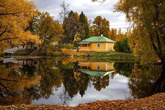 Одно изсамых популярных туристических направлений региона— музей-заповедник «Болдино». Жители нижегородской области уверяют, что лучше всего сюда ехать осенью, чтобы застать «Болдинскую осень»