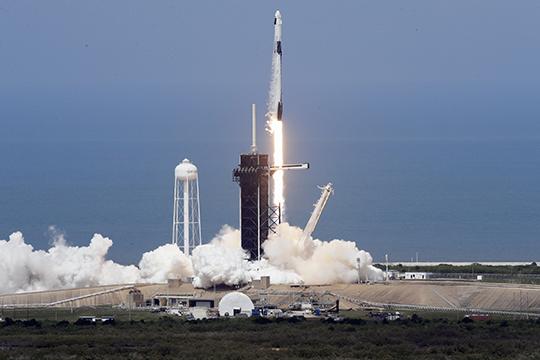 «Все-таки космонавтика — достаточно опасная штука. Действительно богатый человек может и сам создать космическую компанию, если у него достаточно свободных средств»