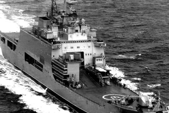 В 1978–1989 годах было построено три таких БДК, причем «Иван Рогов» так же был головным. То есть прослеживается преемственность от поколений советских корабелов и моряков