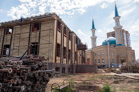 «Исламский центрмыхотели к1сентябрю уже сдать, нопандемия внесла свои коррективы…»