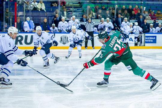 Долгие годы Никулин был лучшим российским защитником вКХЛ. Начинал в«Динамо», скоторым взял два чемпионства России, апик карьеры пришелся на10 сезонов в«АкБарсе»