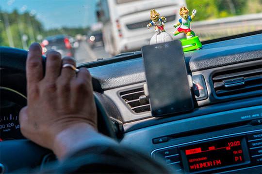 «Сейчас таксисты в России жалуются, что им приходится работать по 12-18 часов в сутки. Думаю, если вторжение DiDi удастся, им придется перейти на 24-часовой рабочий день»