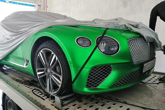 «Заблудившиеся эвакуаторщики случайно помогли полиции задержать Bentley иMercedes-Benz, проходящие поделу фонда Гафарова»