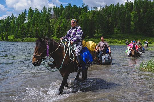 Правительство выделит 15млрд рублей начастичную компенсацию расходов российских туристов напоездки поРоссии. Закаждую поездку путешественники получат от5 до15тыс. рублей, взависимости оттура