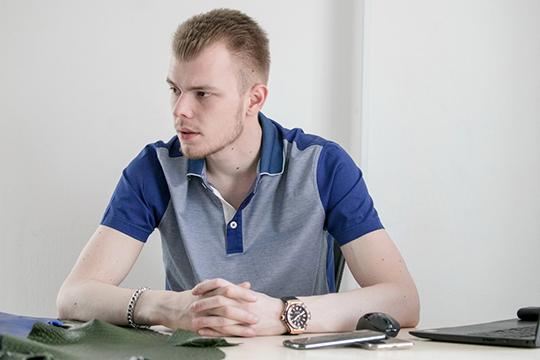 Дмитрий Михайлов: «Каждый iPhone мыделаем как для себя, даем гарантию один год, как Apple. Аесли вдруг что-то произошло— поменяем. Номыуверены, что ничего непроизойдет»