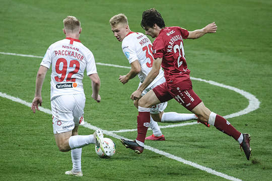 Игроком матча витоге был признан Кварацхелия. Полузащитник хоть инеотличился результативными действиями, носнова был самым заметным наполе