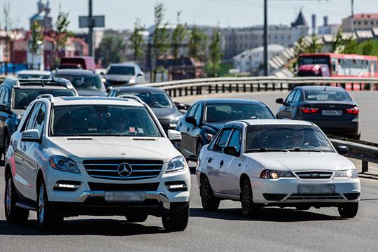 Что касается достижений Daewoo, то в Казани его потери составили 4,2 тыс. (24%) до 13,1 тыс. авто, по РТ — 6,4 тыс. (18%) до 38,8 тыс. авто. Средний возраст татарстанской Daewoo 11 лет и 9 месяцев, выпуск март-2008