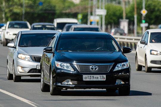 Средний возраст татарстанской Toyota 8 лет и 3 месяца (выпуск сентябрь-2011, на полгода старше, чем Nissan), а вот российской практически вдвое больше — 16 лет (январь-2004)