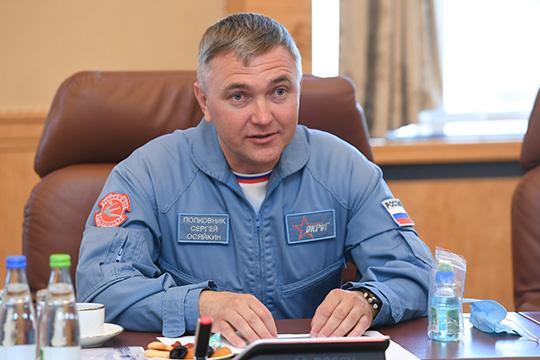 Сергей Осяйкин: «Нестану выделять сложные ипростые фигуры: просто надо представлять, что интервал между самолетами, летящими наскорости 700 километров вчас,— один метр. Это уже достаточно сложно»