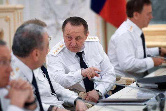 Замгенпрокурора РоссииВиктор Гриньвследующем году покинет свой пост, так как ему исполняется 70 лет, аэто предельный срок службы наего должности