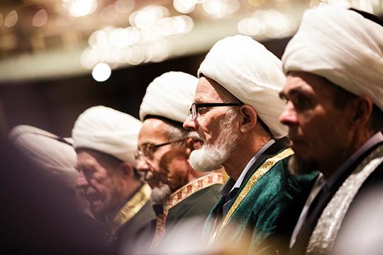«Никакого раскола среди мусульман нет, унас общая цель— работать сучетом специфики своих регионов, строя партнерские взаимно уважительные отношения между как организациями, так ипростыми мусульманами»