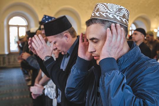 «Сростом уровня религиозных знаний мусульман, азначит, иисламского самосознания самих религиозных лидеров, которые придут нам насмену, появится иосознание ответственности перед верующими»