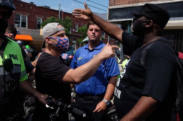 «Уновых расистов нималейшей терпимости киным людям имнениямнет. Вот это иесть фашизм»