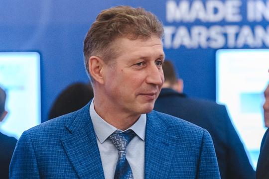 Владимир Малыгин(справа) — президент иоснователь компании «Агава», владелец федеральной сети DIY-гипермаркетов «Мегастрой»