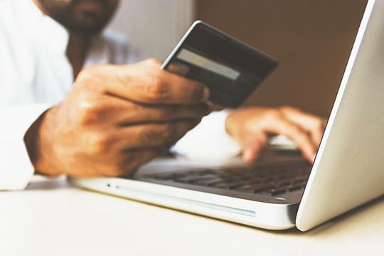 Впериод пандемии засчет перестройки бизнес-процессов увеличилась доля онлайн-продаж более чем в15 раз, соснятием строгих ограничений она, конечно, сократилась
