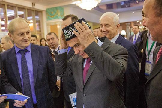Рустам Минниханов:«Сохранив межнациональное имежконфессиональное согласие внутри себя, наша республика внесла значительный вклад вукрепление российской государственности»