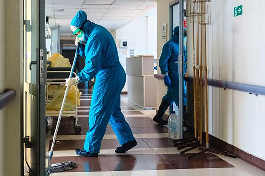 Работая вкрасной зоне, медики ежедневно рискуют жизнью, поэтому знаменитые путинские надбавки воспринимаются как должное