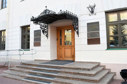 В рамках проекта «Незримые узы с Родиной», приуроченного к 100-летию образования ТАССР, стартовала выставка петербургского художника Азата Галимова
