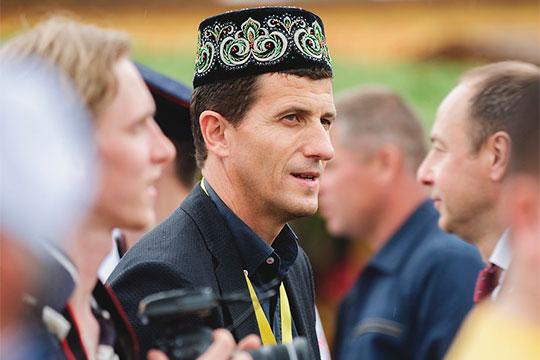 В понедельник «Валенсия» объявила о назначении на пост главного тренера команды Грасии — первого иностранного тренера в истории «Рубина», который провёл в Казани сезон 2016/17