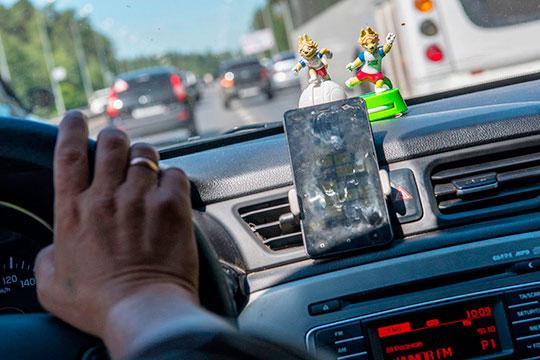 Автоблокировка для пьяных – это специальное устройство, которое с помощью алкотестера контролирует водителей, предостерегая их от управления авто в нетрезвом виде, блокируя систему зажигания